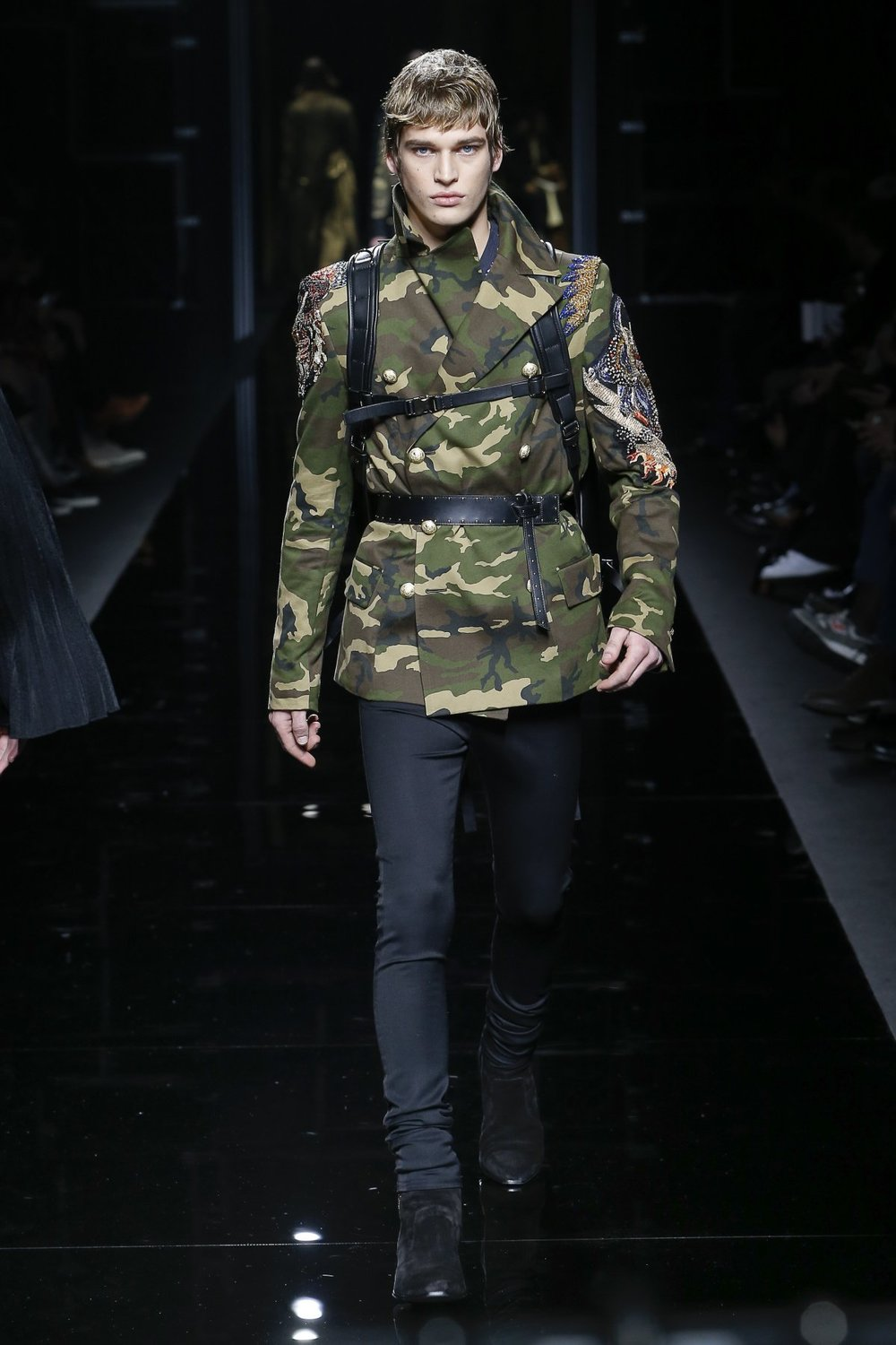 balmain_look_11_2017_aw_mens.jpeg