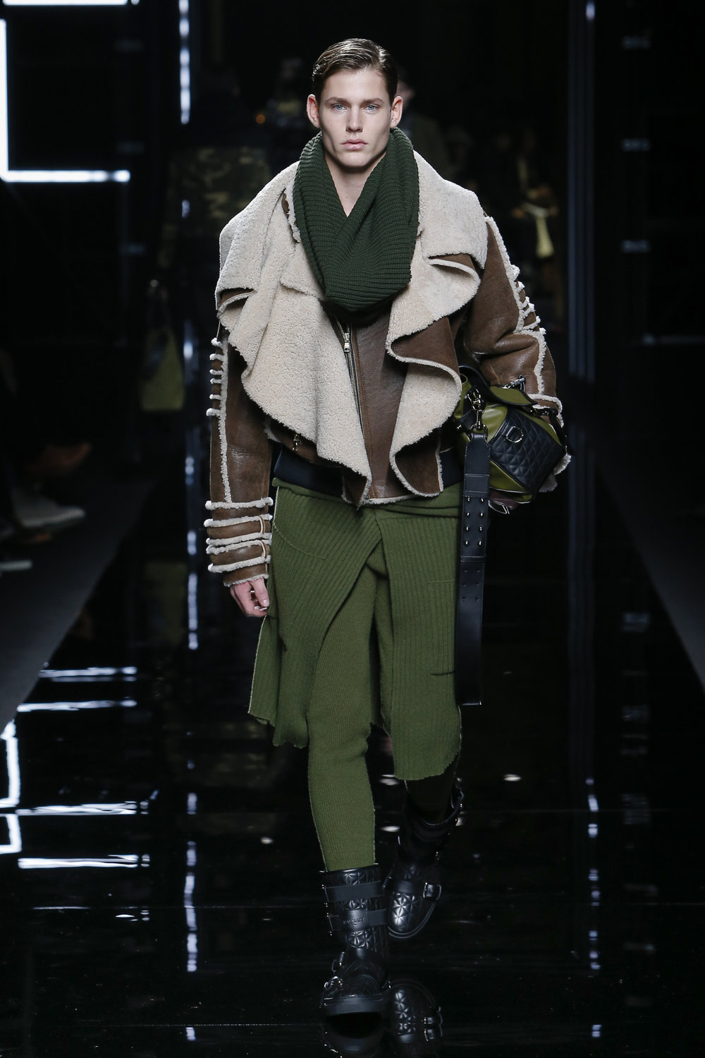 balmain_look_13_2017_aw_mens.jpeg