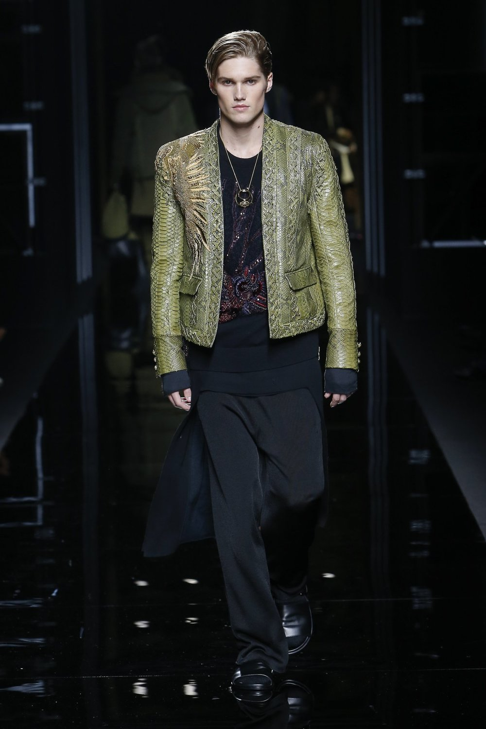 balmain_look_16_2017_aw_mens.jpeg