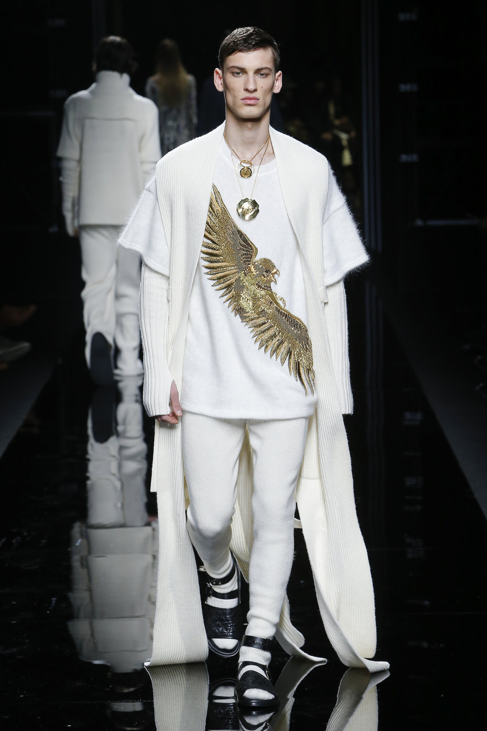 balmain_look_32_2017_aw_mens.jpeg