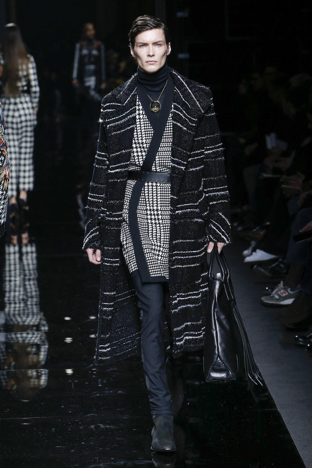 balmain_look_45_2017_aw_mens.jpeg