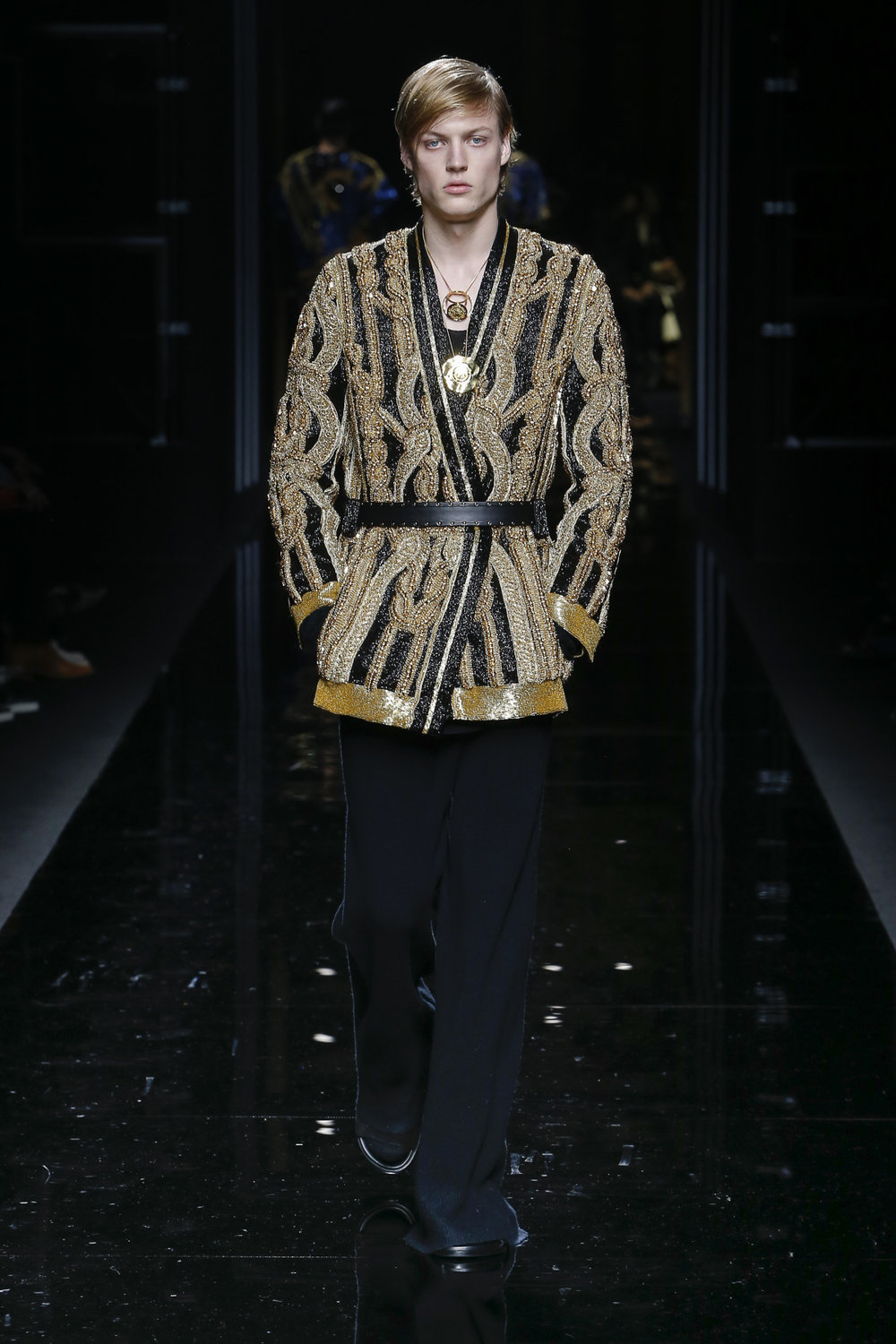 balmain_look_79_2017_aw_mens.jpeg