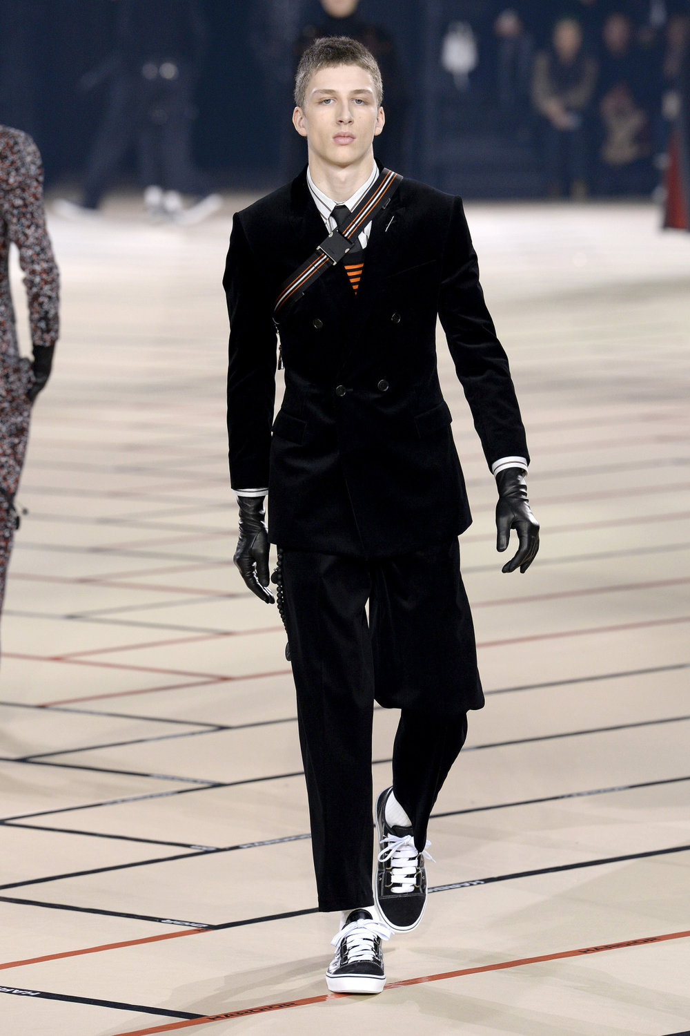 dior_homme_look_35_2017_aw_mens.jpeg