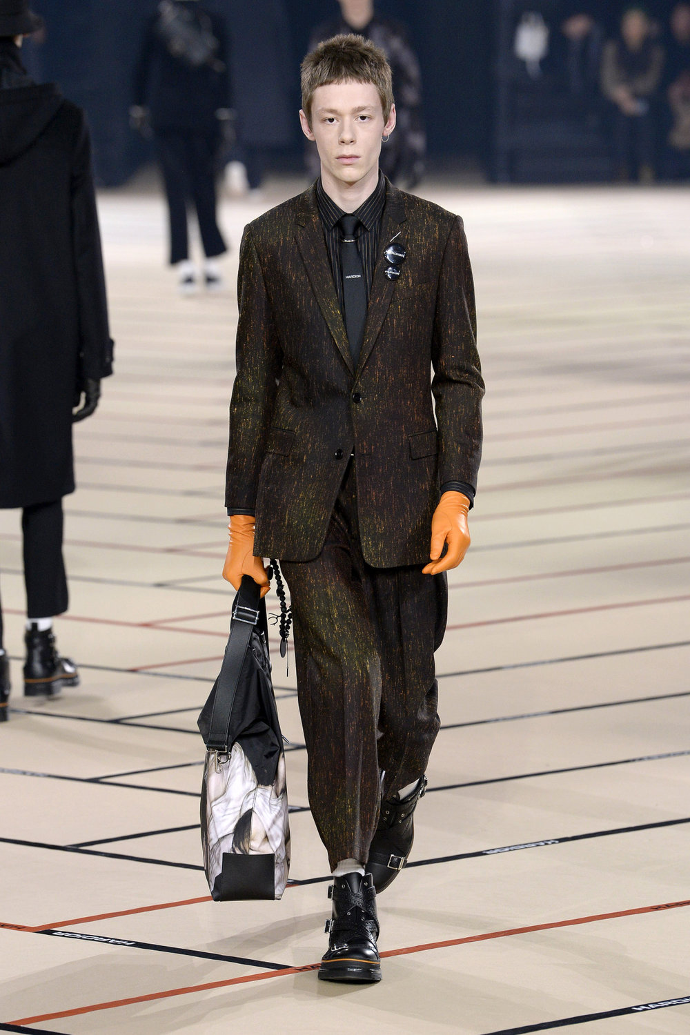 dior_homme_look_42_2017_aw_mens.jpeg