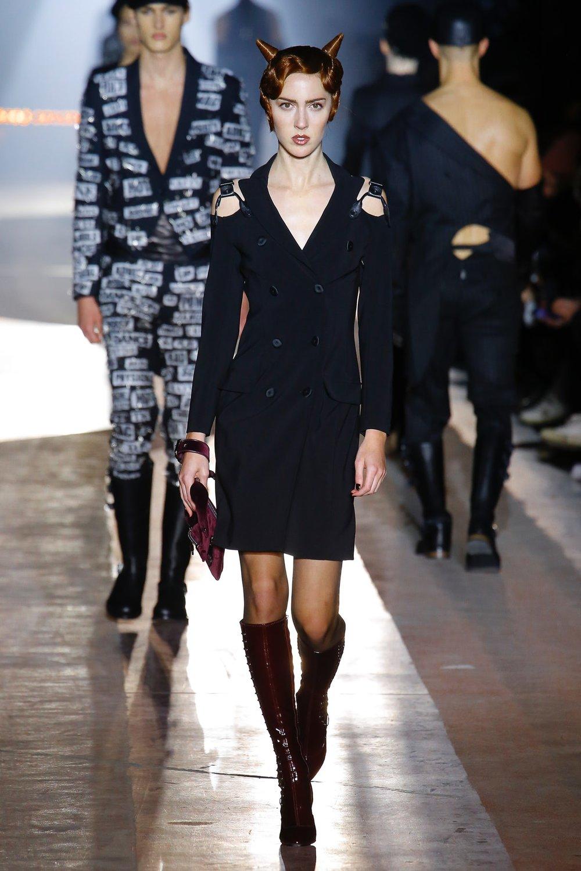 moschino_look_5_menswear_autumn_2018.jpeg