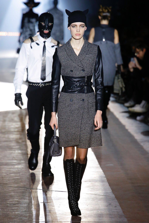 moschino_look_10_menswear_autumn_2018.jpeg