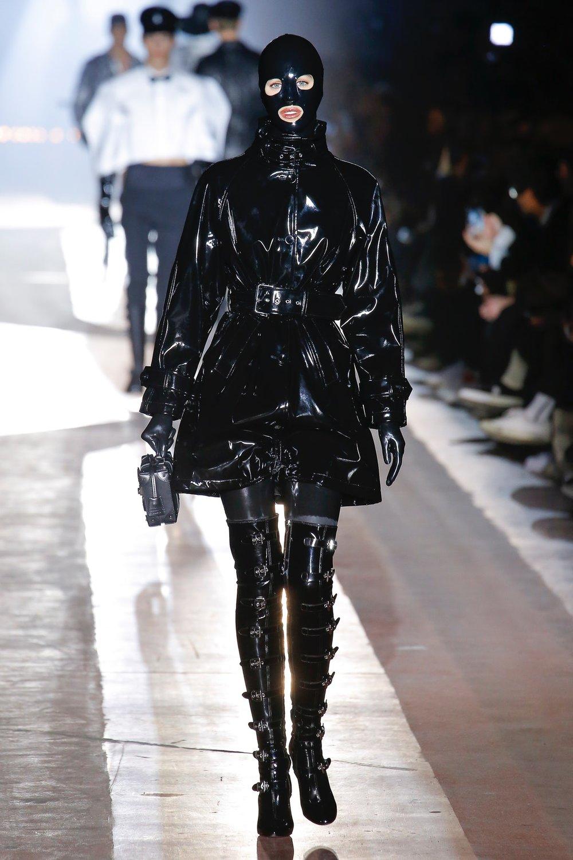moschino_look_18_menswear_autumn_2018.jpeg
