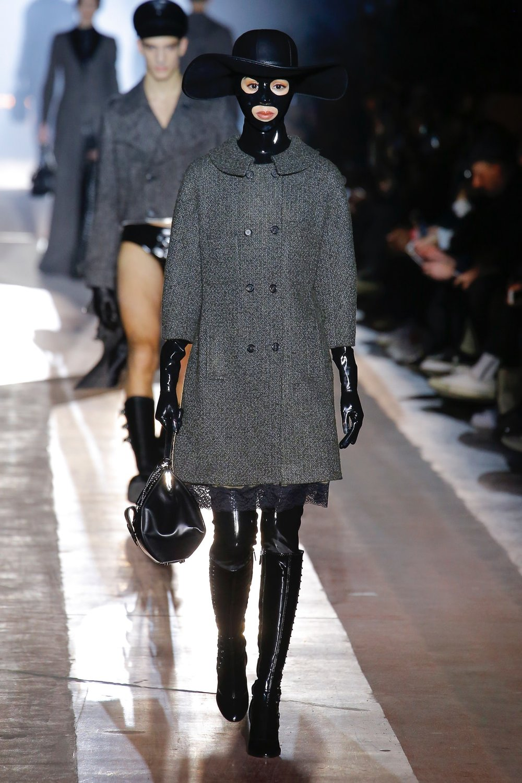 moschino_look_29_menswear_autumn_2018.jpeg