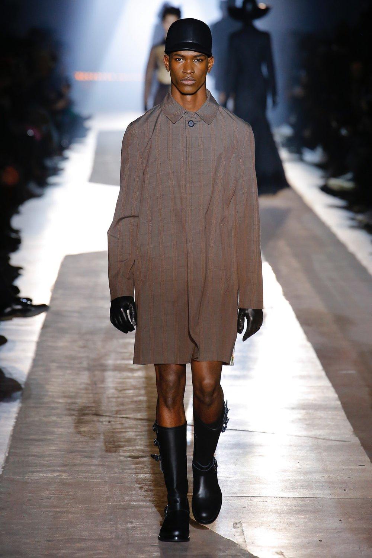moschino_look_39_menswear_autumn_2018.jpeg