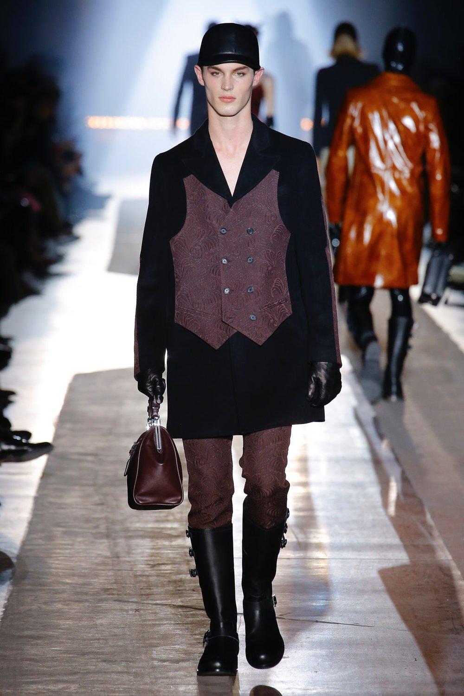 moschino_look_47_menswear_autumn_2018.jpeg