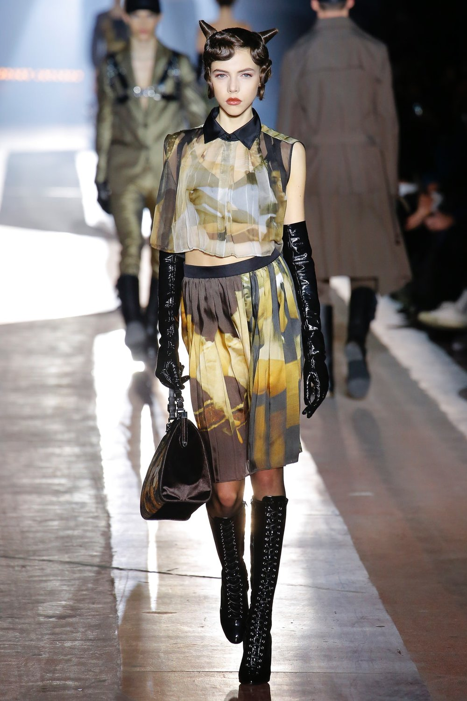 moschino_look_66_menswear_autumn_2018.jpeg