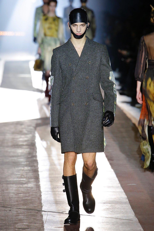 moschino_look_69_menswear_autumn_2018.jpeg