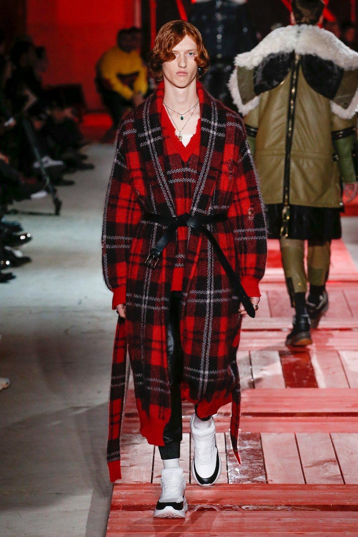 alexander_mc_queen_look_25_menswear_autumn_2018.jpeg