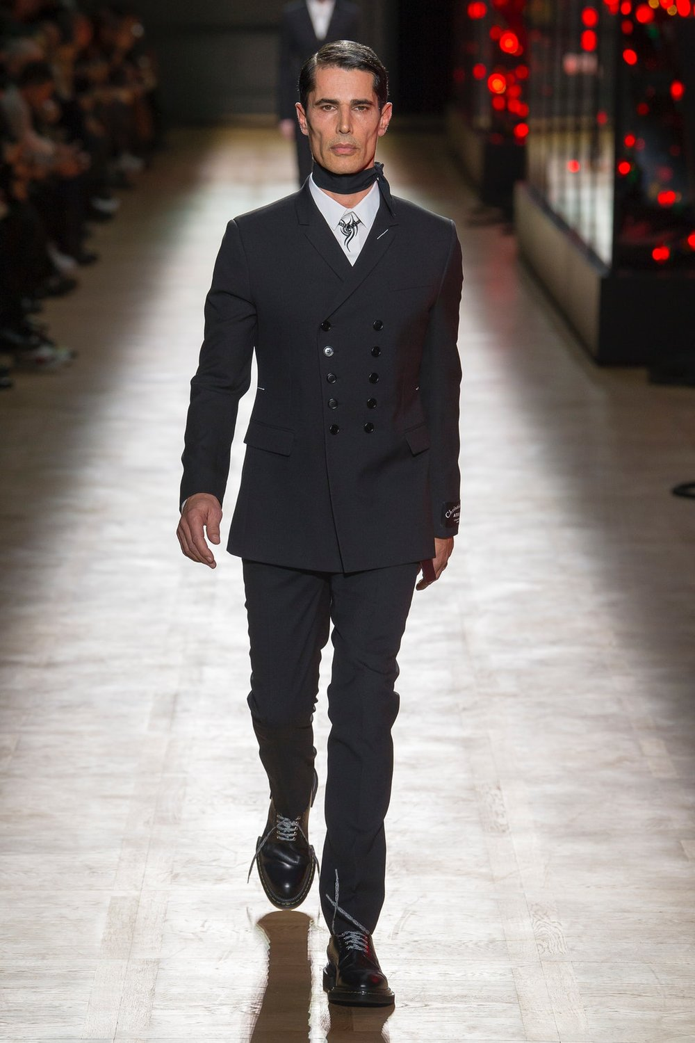 dior_homme_look_1_menswear_autumn_2018.jpeg