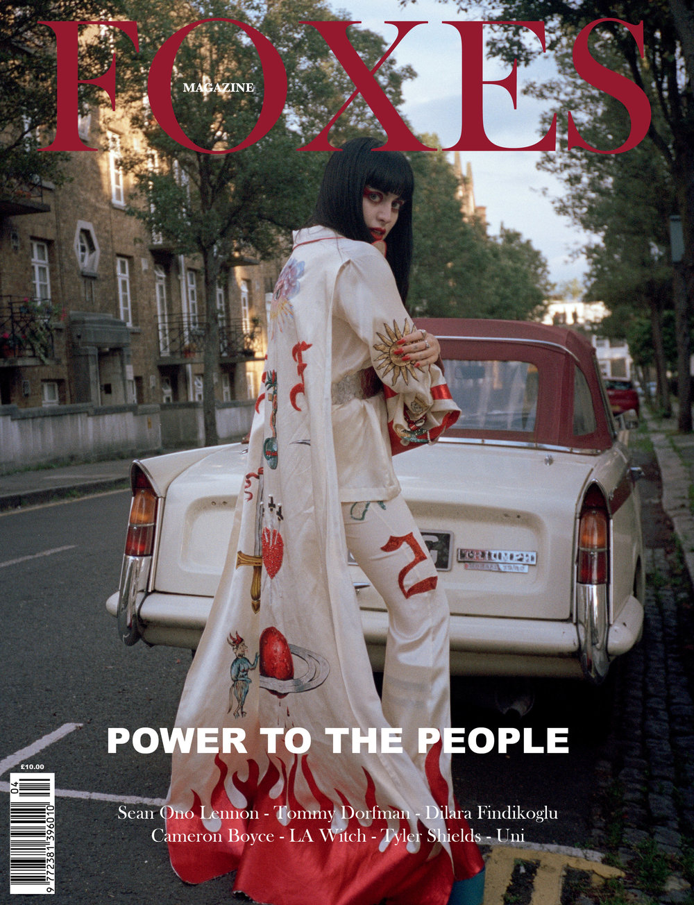 FOXES_MAGAZINE_DILARA_FINDIKOGLU_COVER.jpg