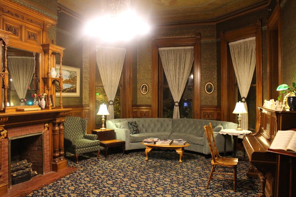 L'auberge de jeunesse la plus classe du monde, installée dans un bâtiment du 19ème à Sacramento. J'ai passé des soirées à écrire sur ce canapé tout en sirotant du thé comme une grande dame :p