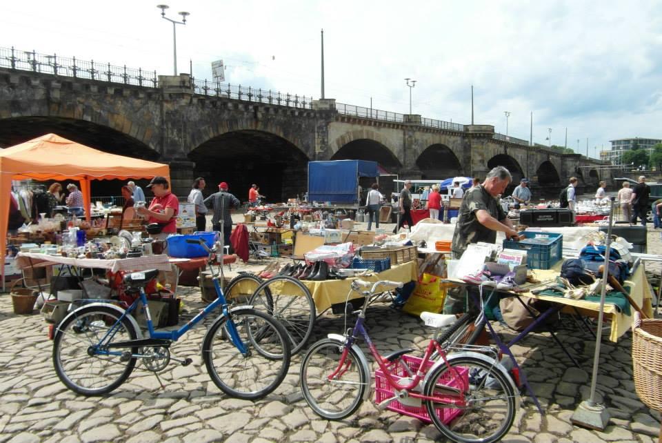 Dresden: marché au bord de l'Elbe, juin 2013