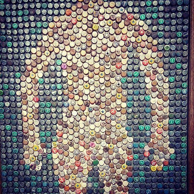 Homme en Capsules! 😀 #capsules #weirdart #londres