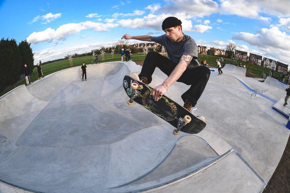 Matt Vardy  Frontside grab at  Lady Bay Skatepark  📷  Joe Walchester
