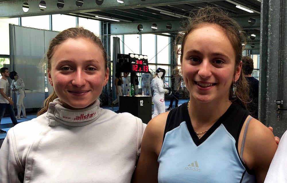 Angeline (links) und Aurore Favre vom Fechtclub Bern. (Foto: Claudia Fahlbusch)