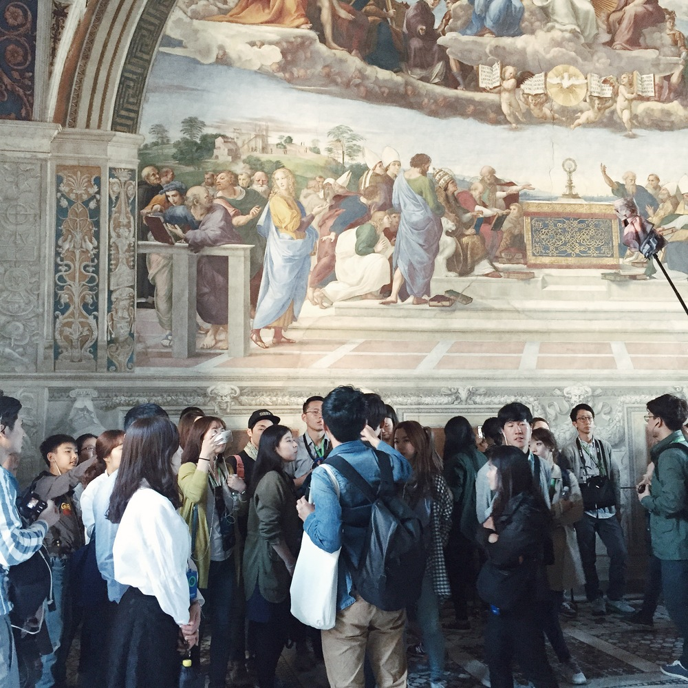 Crowds at the Vatican museum