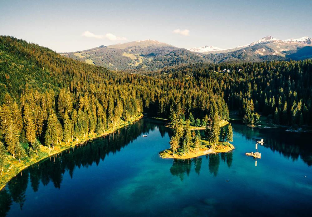 Luftaufnahme-Caumasee-Flims-Swissapse.jpg