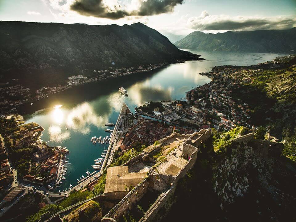 Luftaufnahme-Kotor-Montenegro-Swissapse.jpg.jpg