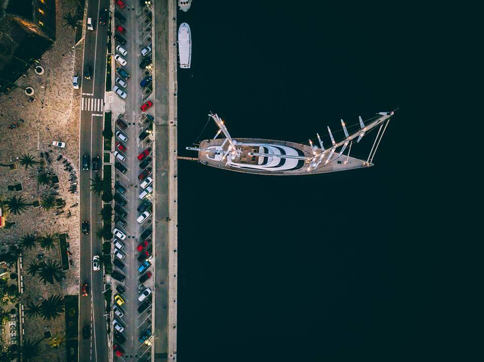 Luftaufnahme-Kotor-Segelboot-Swissapse.jpg