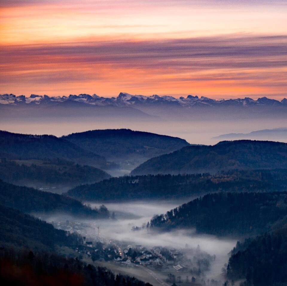 Luftaufnahme-Uetliberg-Swissapse.jpg