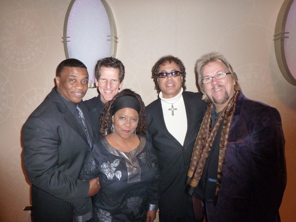 DP & band backstage Gala.jpeg