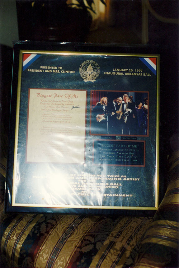 DP-Plague-Given-to-Clinton-2nd-Inaug-97.jpg