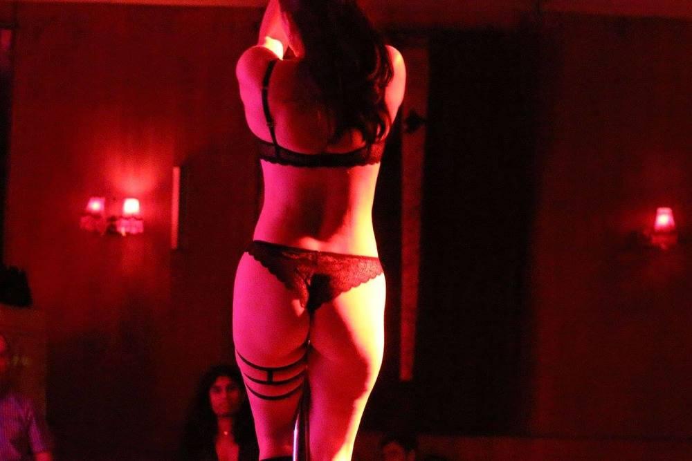 StripTheWillow5.jpeg