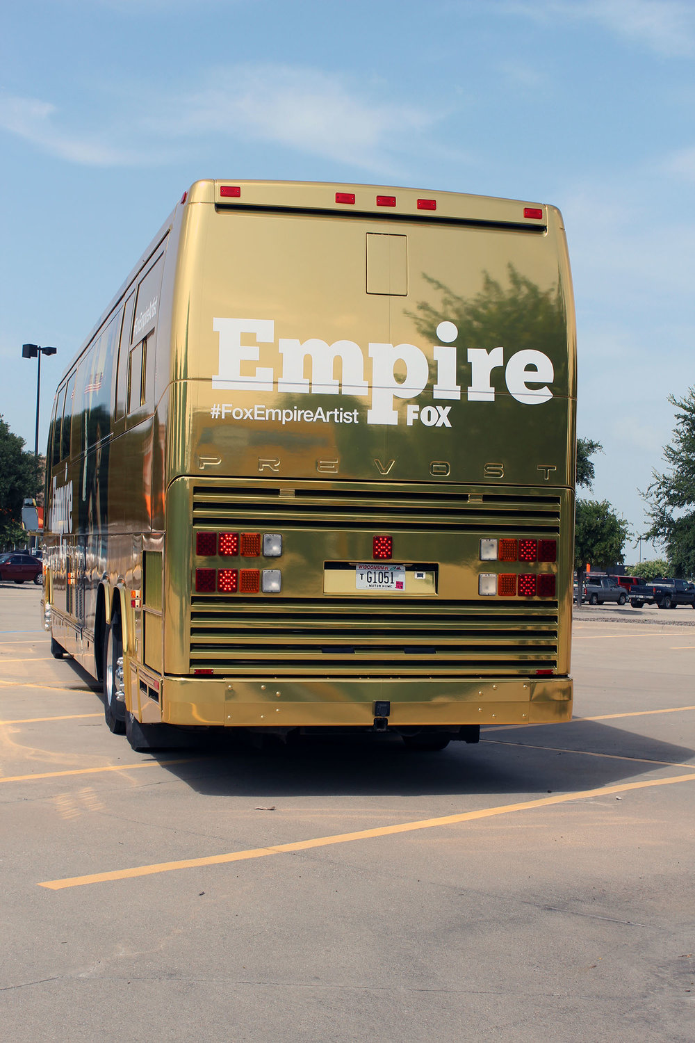 Empire Recording Studio - Prevost Bus