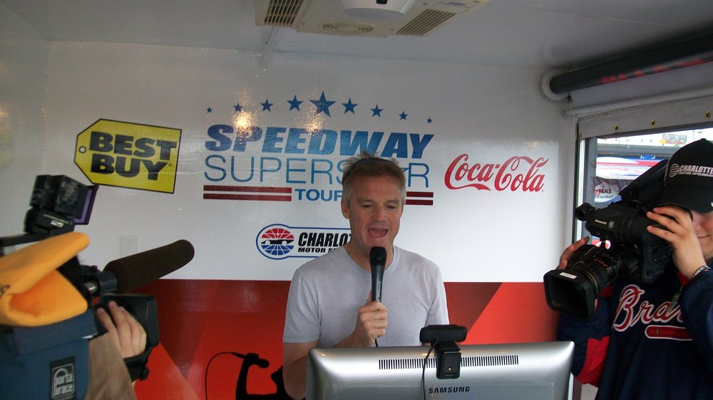 KENNY WALLACE SINGING.JPG