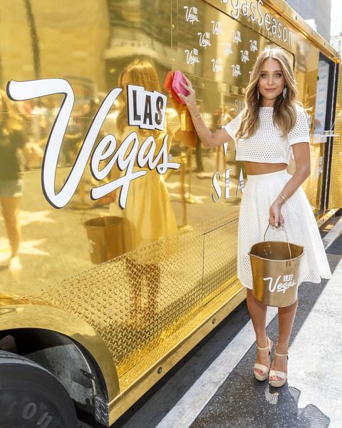 Hannah+Davis+Las+Vegas+Brings+Vegas+Season+gOtmTjb3VgFl.jpg