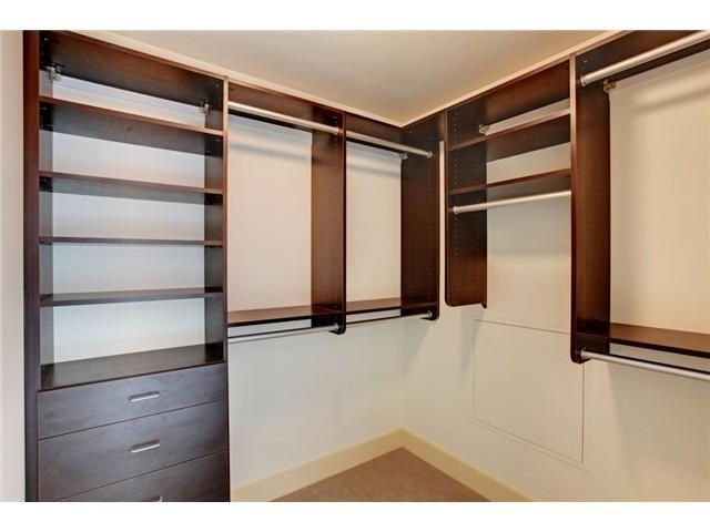 Olive8-1800-Walk-in-closet (1).jpg