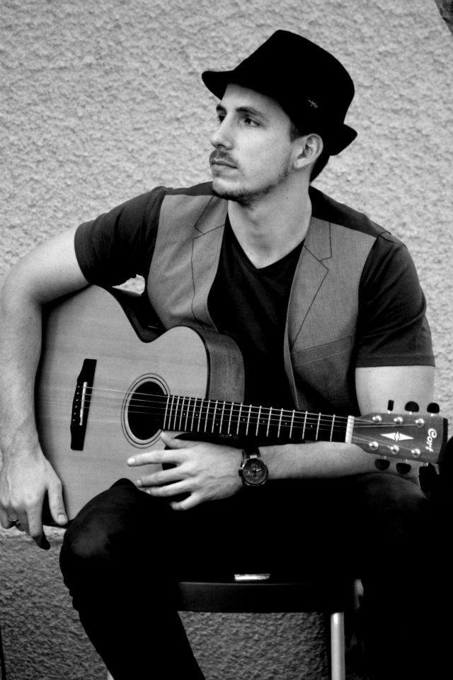 guitarist in dubai.jpg