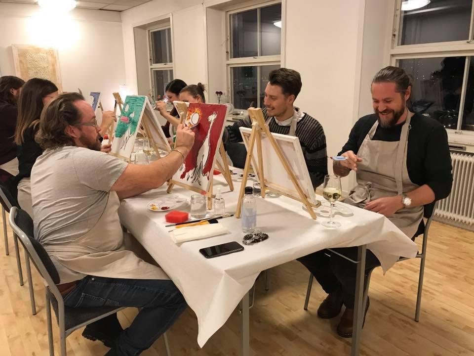 En kväll med glada målare, Måla och Skåla.