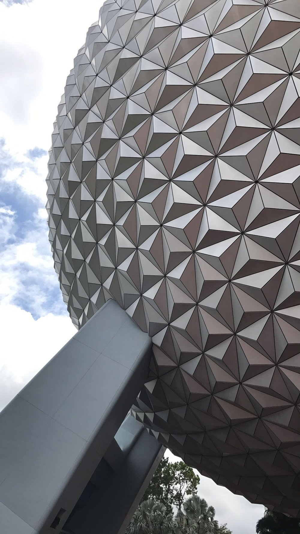 EPCOT - Photo by: Aynslee Darmon