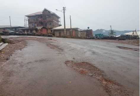 Web source picture: Blocked road access and deserted community in Kumbo Bui Division.