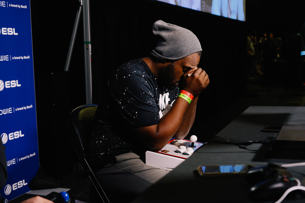 "Curtis ""CJShowstopper"" Minor Jr. prays before his upcoming match against OG