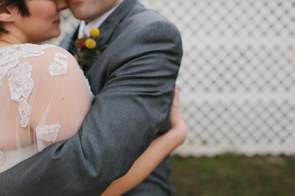Chicago Wedding Photographer Mae Stier Heritage Prairie Farm Outdoor Romantic Wedding-031.jpg