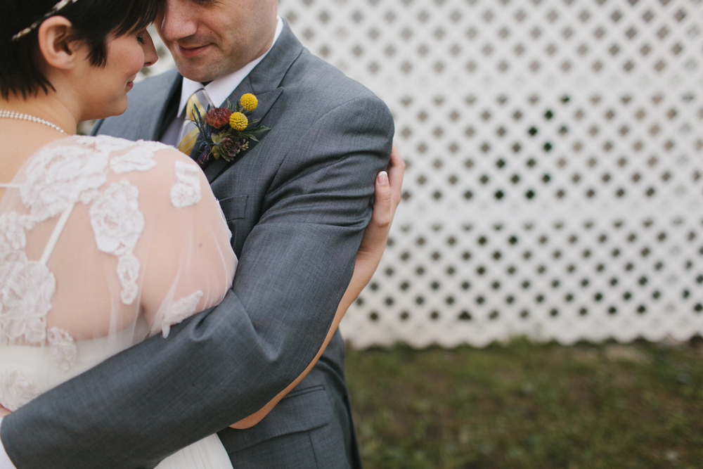 Chicago Wedding Photographer Mae Stier Heritage Prairie Farm Outdoor Romantic Wedding-032.jpg