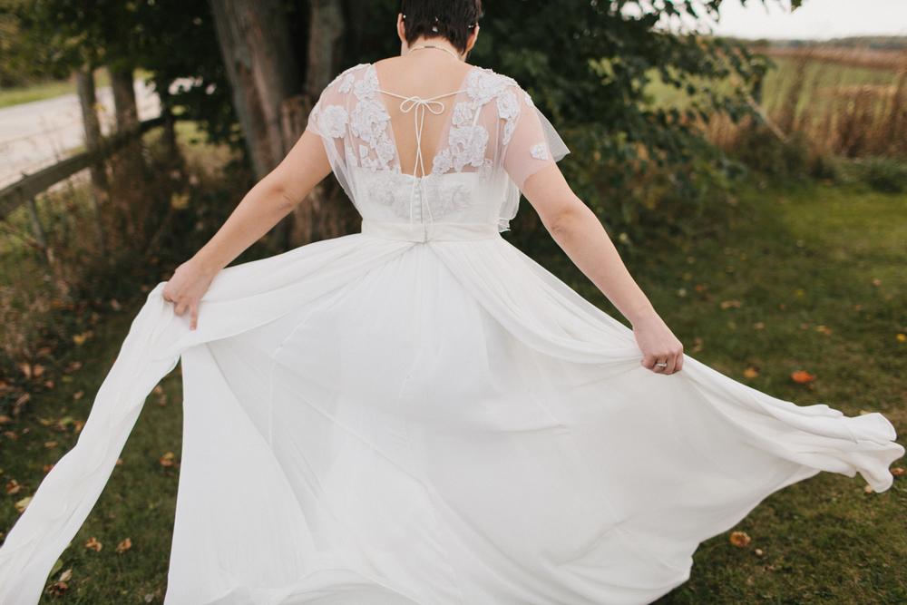 Chicago Wedding Photographer Mae Stier Heritage Prairie Farm Outdoor Romantic Wedding-034.jpg