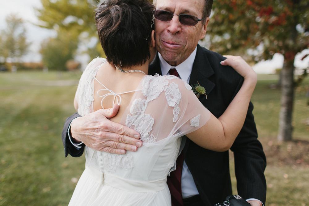 Chicago Wedding Photographer Mae Stier Heritage Prairie Farm Outdoor Romantic Wedding-038.jpg