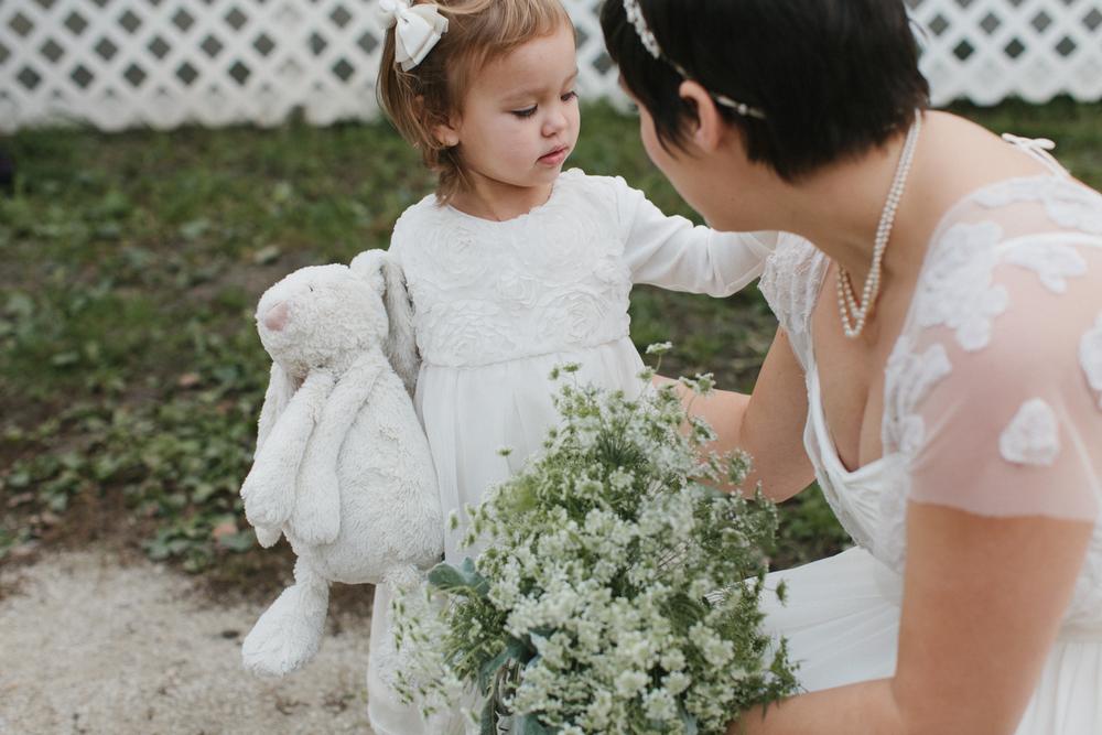 Chicago Wedding Photographer Mae Stier Heritage Prairie Farm Outdoor Romantic Wedding-041.jpg