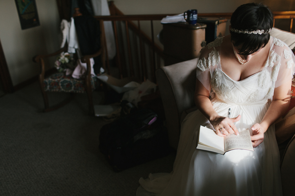 Chicago Wedding Photographer Mae Stier Heritage Prairie Farm Outdoor Romantic Wedding-043.jpg