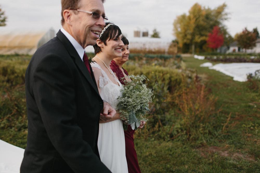 Chicago Wedding Photographer Mae Stier Heritage Prairie Farm Outdoor Romantic Wedding-050.jpg