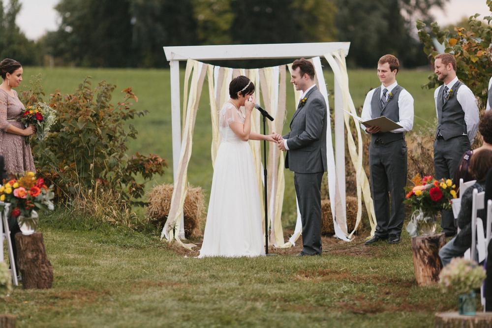 Chicago Wedding Photographer Mae Stier Heritage Prairie Farm Outdoor Romantic Wedding-055.jpg