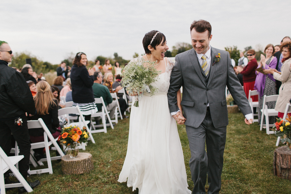 Chicago Wedding Photographer Mae Stier Heritage Prairie Farm Outdoor Romantic Wedding-057.jpg